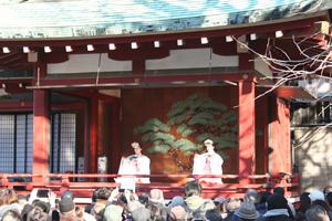 浅草神社節分祭 巫女舞