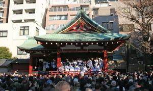 浅草神社節分祭 豆撒き